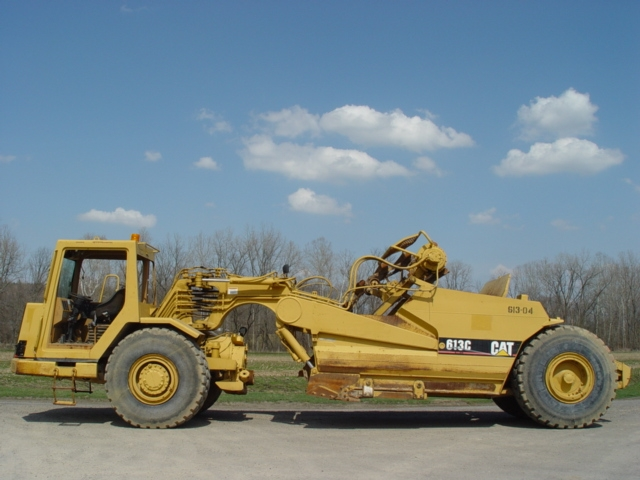 Elevating Scraper - 1997 - Caterpillar - 613 Series 2